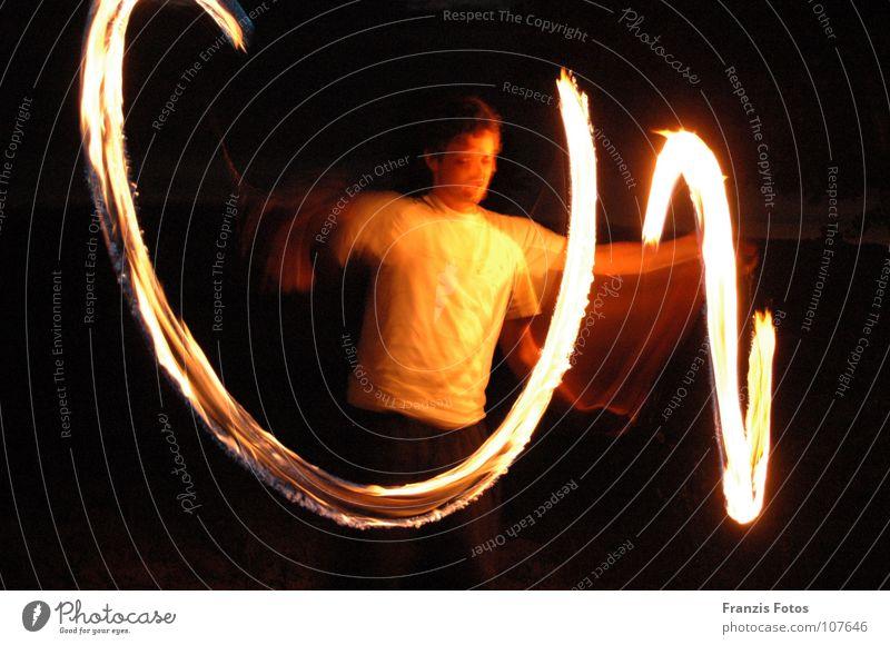 Angel Nacht Licht weiß dunkel Mann Kraft Brand Tänzer Natur Lichterscheinung