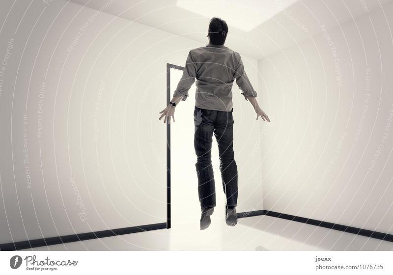 Mann schwebt vor grellem Licht Erwachsene Körper 1 Mensch 30-45 Jahre 45-60 Jahre bedrohlich hell schwarz weiß Schmerz bizarr Ende Endzeitstimmung Energie