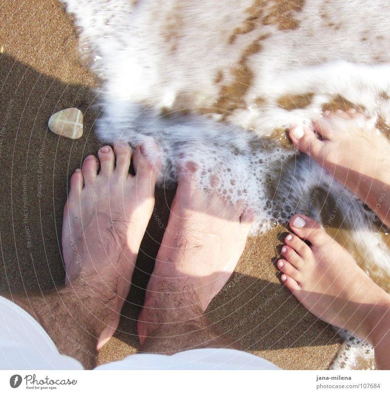 gemeinsam... Natur Wasser Sonne Ferien & Urlaub & Reisen Meer Sommer Strand ruhig Bewegung Sand Stein Beine Paar Fuß Wellen Zusammensein