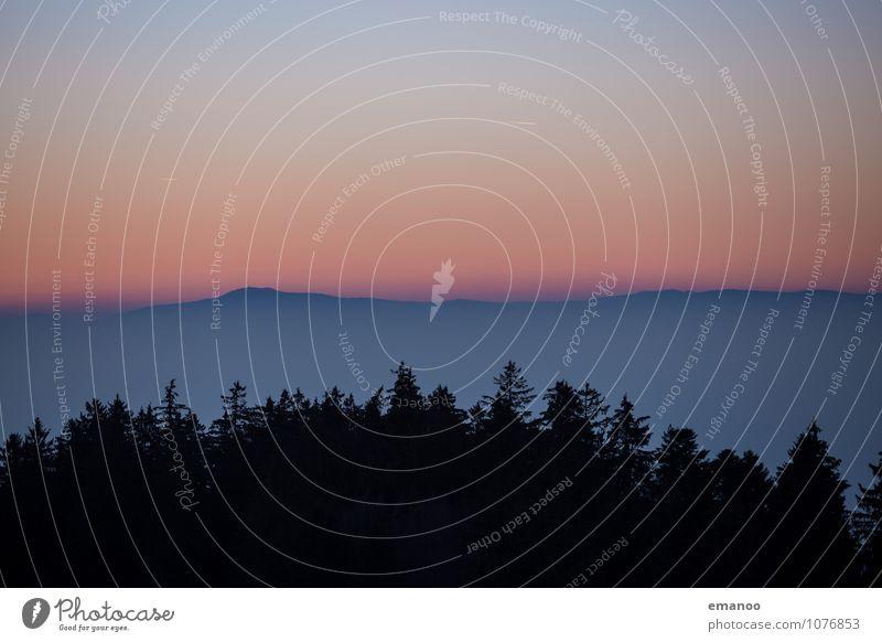 Berge aus dem Nebel Himmel Natur Ferien & Urlaub & Reisen blau Baum Landschaft Wolken Ferne dunkel Wald Berge u. Gebirge Umwelt Freiheit Horizont orange