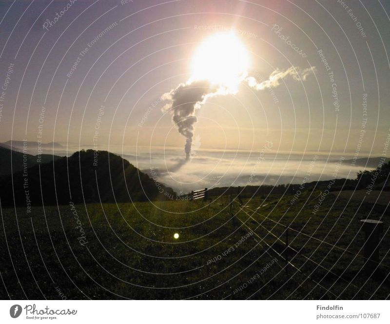 Wolkensäule Sonne Berge u. Gebirge Aussicht Turm Idylle Säule Zufall spontan
