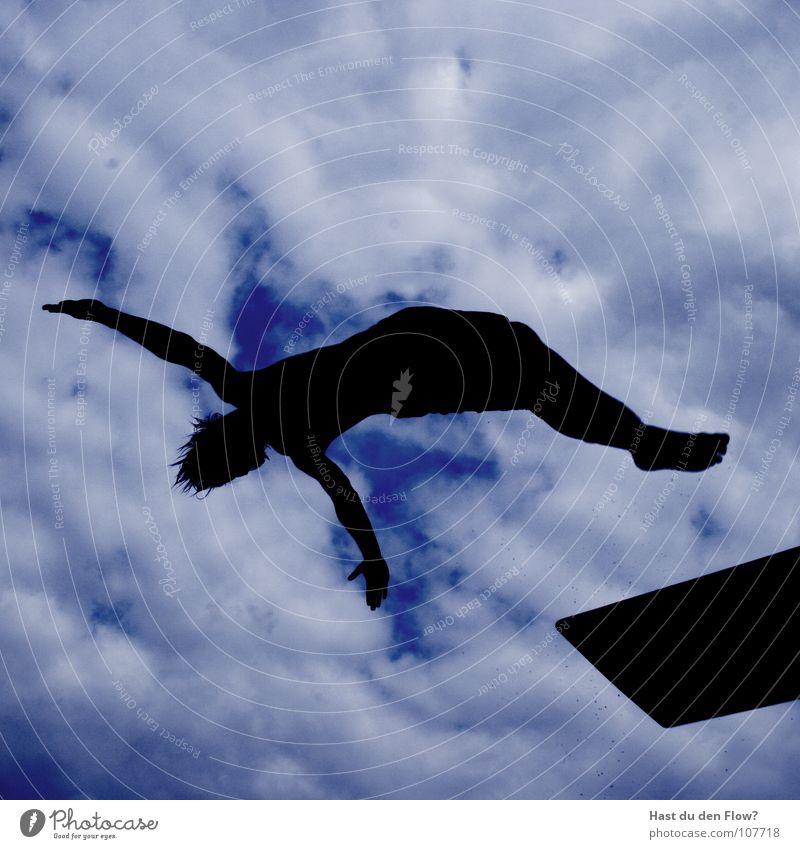 pingu Pinguin springen Sprungbrett Hose geschmackvoll schön Wolken Silhouette Sommer 5 3 Schweben Salto rückwärts Rückwärtssalto Freibad Schwimmbad