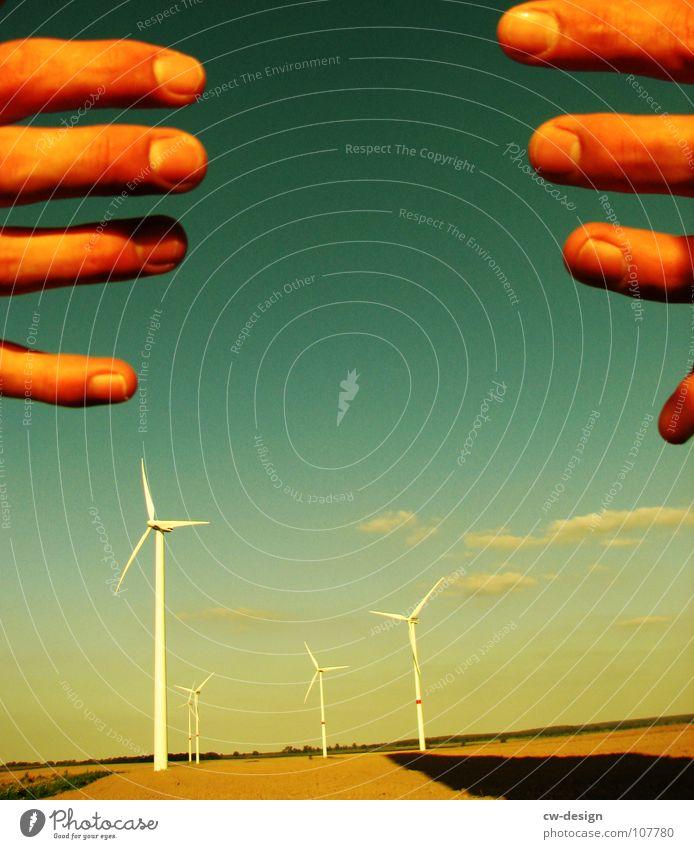die handhabung Windkraftanlage Propeller regenerativ ökologisch umweltfreundlich Technik & Technologie Umweltverschmutzung Industrielandschaft Blauer Himmel