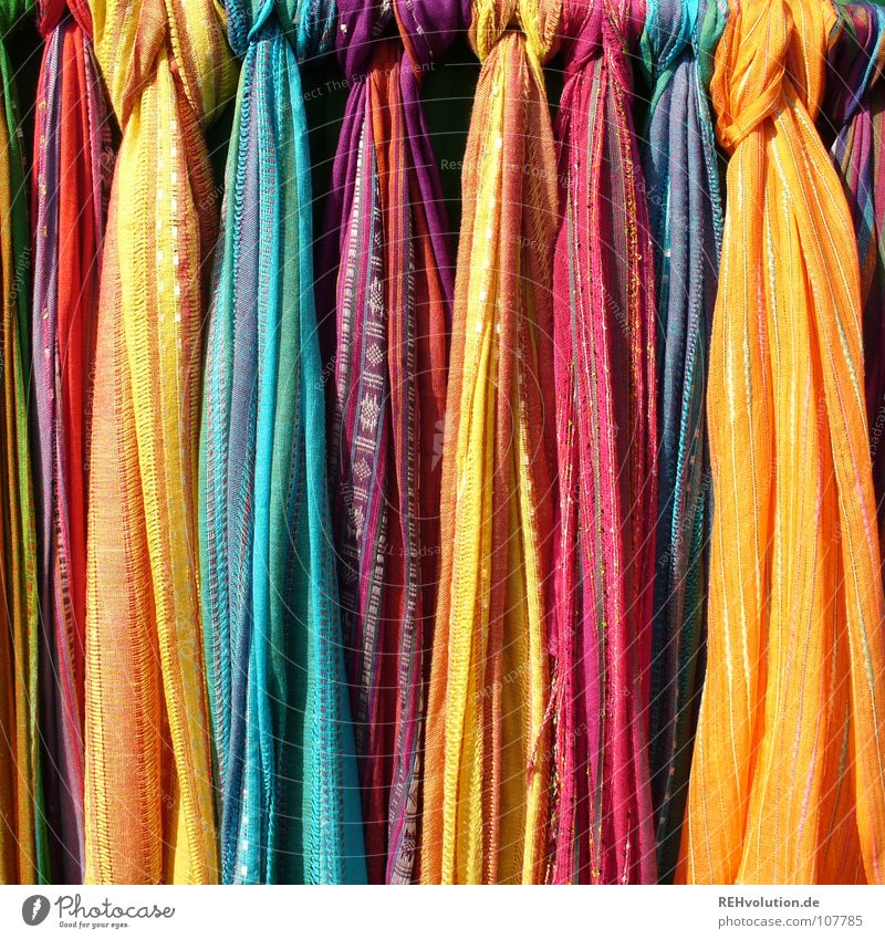 Farbe am Montag! Sommer Farbe Kunst Bekleidung frisch Fröhlichkeit stehen Kultur Streifen Stoff Handwerk hängen Markt Tuch Knoten Ware