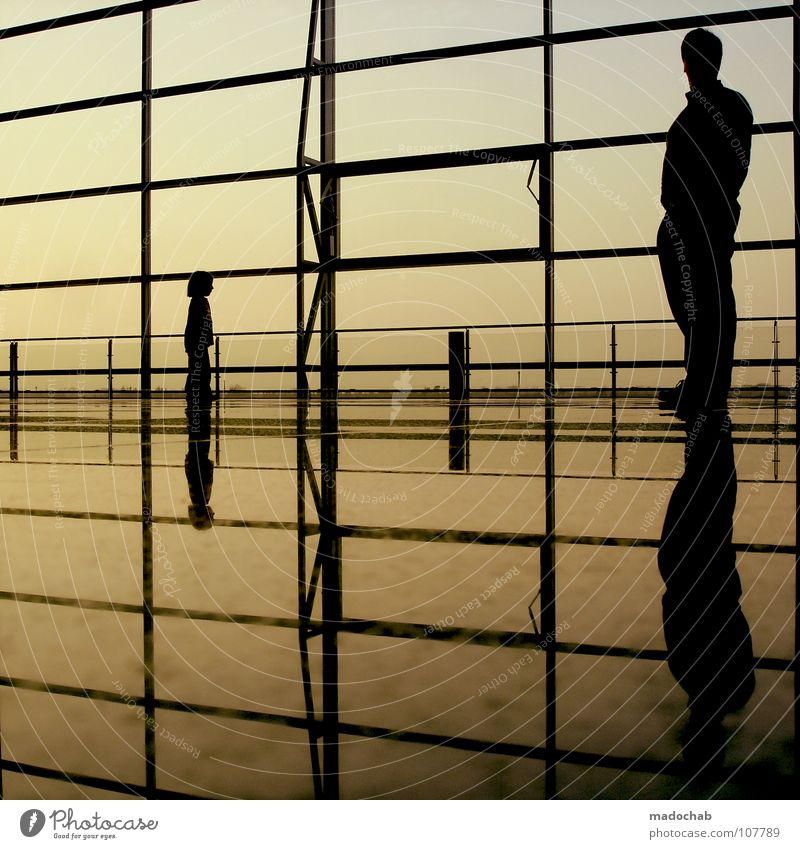 4 ENDE Silhouette Mensch Reflexion & Spiegelung Wand Himmel Sehnsucht Kind Mädchen Lifestyle Kleinkind Vater Fernweh reisend Ferien & Urlaub & Reisen stehen