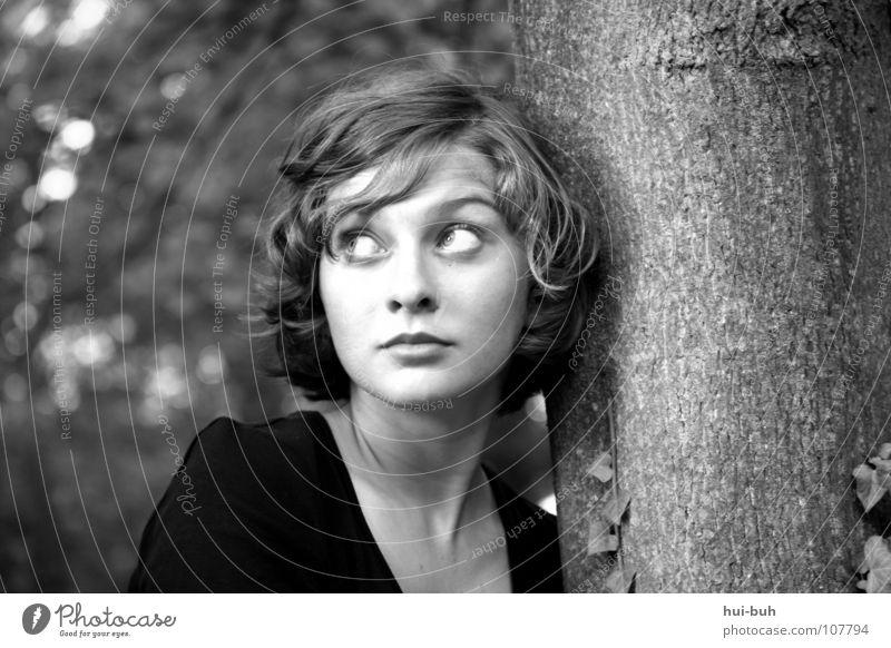 Sweetheart Frau Jugendliche schön weiß Baum Gesicht ruhig schwarz Einsamkeit Erholung Fröhlichkeit Trauer süß Frieden beobachten stoppen