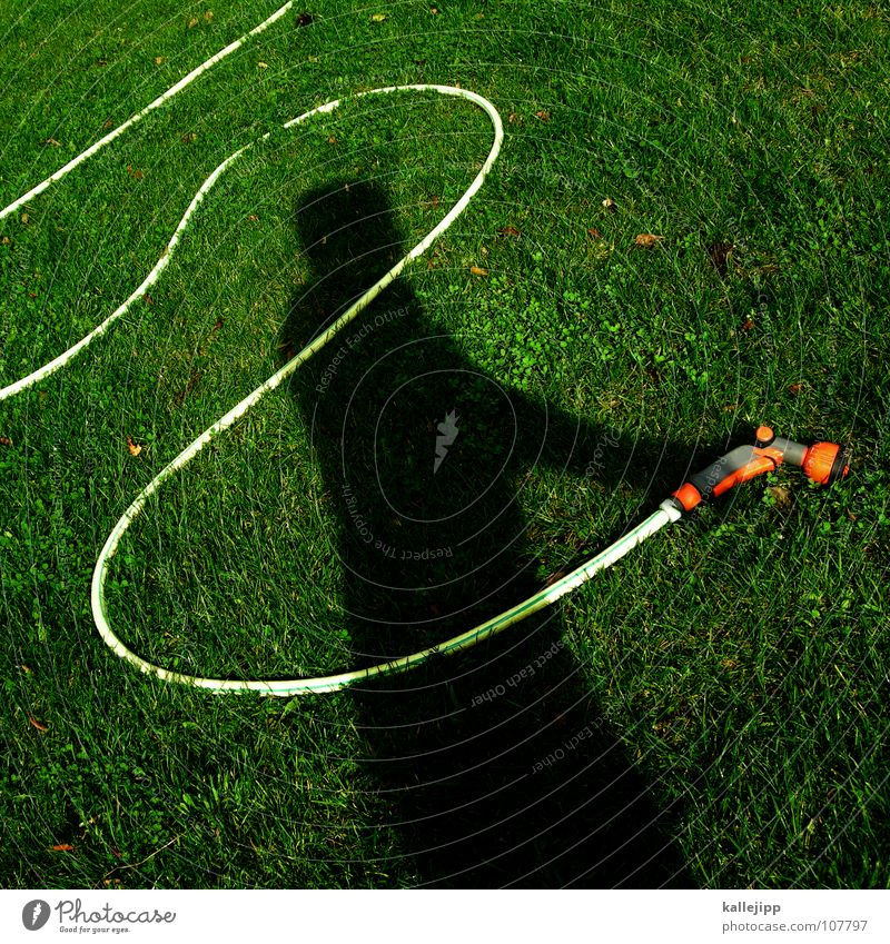 schattensprengmeister Wasser Spielen Garten Arbeit & Erwerbstätigkeit träumen liegen nass Rasen Vergangenheit fahren Surrealismus Gott Gartenarbeit Gegenwart