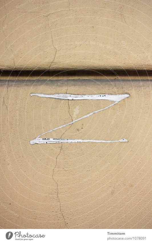Irgendwo in Italien (8). Wand Gefühle Stein Linie Schriftzeichen ästhetisch einfach Zeichen Buchstaben Spuren Riss Klebstoff