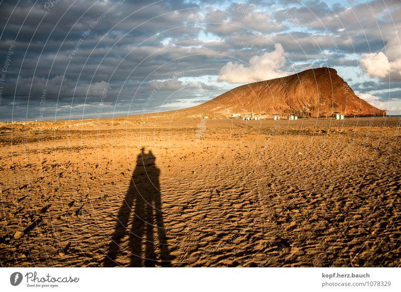 Sonnenuntergang für 2 Mensch Himmel Ferien & Urlaub & Reisen Sommer Erholung Landschaft Strand Liebe Glück Freiheit Sand Felsen Zusammensein Freundschaft
