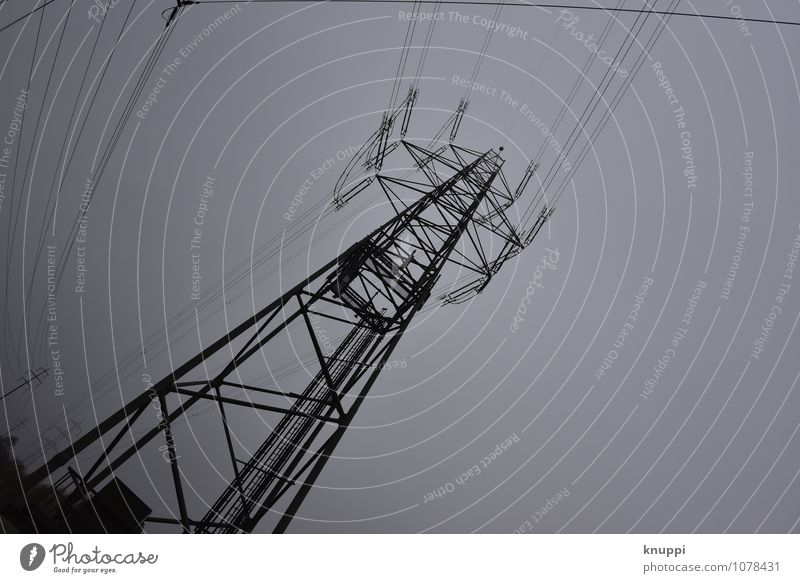 Strom dunkel schwarz grau Energiewirtschaft Technik & Technologie Europa Telekommunikation Zukunft Elektrizität Industrie Kabel Internet Informationstechnologie