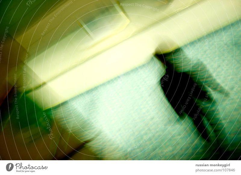 ich-hier-dort.um.in-allein Mensch Einsamkeit Wand Leben Bewegung Wege & Pfade Haare & Frisuren Traurigkeit Denken Wasserfahrzeug Raum gehen Angst fliegen Trauer