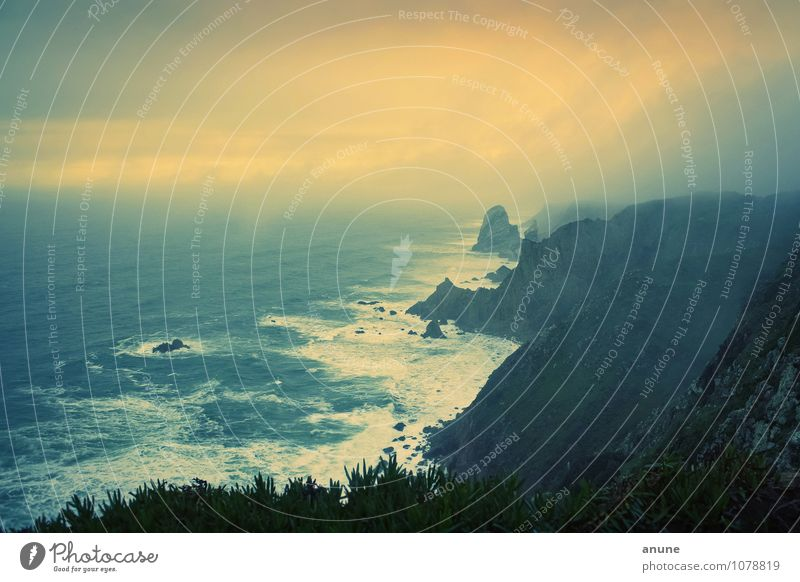 Cabo da Roca Umwelt Natur Landschaft Urelemente Wetter Unwetter Wind Sturm Nebel Gewitter Felsen Wellen Küste Bucht Meer Atlantik Klippe Portugal