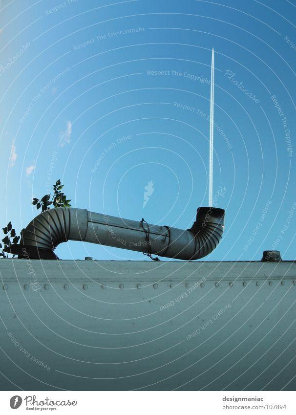 Flugleitsystem Himmel Baum blau ruhig Blatt Wolken Wand Spielen oben grau Luft Linie Kraft Metall Deutschland Flugzeug