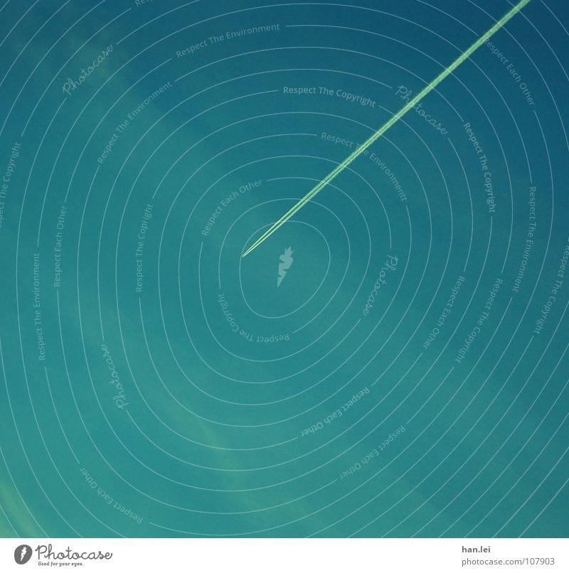 Gruß von oben... Himmel Ferien & Urlaub & Reisen Wolken Ferne Freiheit Linie fliegen Flugzeug Luftverkehr verrückt Streifen diagonal aufsteigen