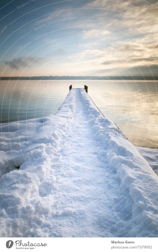 Steg im Schnee Himmel Natur Ferien & Urlaub & Reisen Wasser Erholung ruhig Winter See Deutschland Europa Fußweg Seeufer Frieden Starnberg