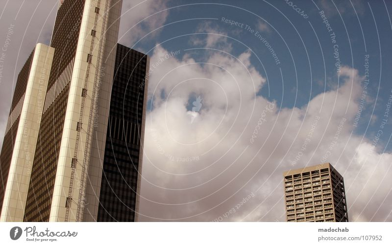 3 URBAN REJECTION DISASTER Himmel blau Stadt Haus Leben Gefühle Architektur Gebäude Fassade Beton hoch Hochhaus groß Macht Häusliches Leben weich