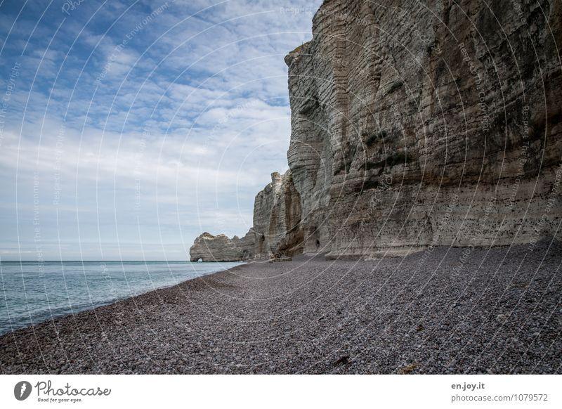 Bruchkante Himmel Natur Ferien & Urlaub & Reisen blau Sommer Meer Landschaft Strand Ferne Küste grau Felsen Horizont Tourismus Klima Abenteuer
