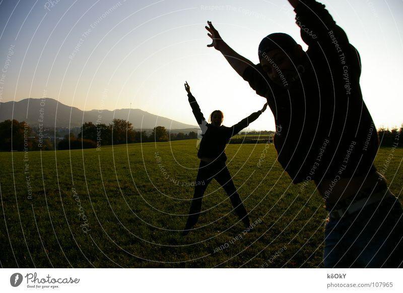 Silhouette Farbfoto mehrfarbig Außenaufnahme Experiment Tag Schatten Sonnenlicht Gegenlicht Panorama (Aussicht) Freude Glück Wellness Leben harmonisch