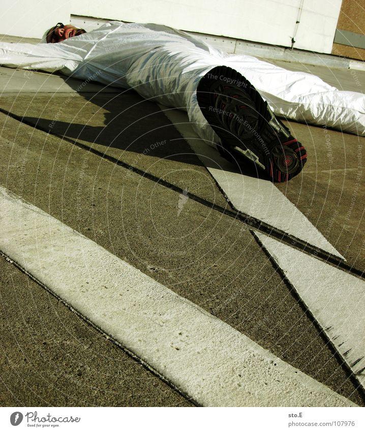 parkplatz sichern Mensch weiß Hand Haus Straße Gebäude Denken liegen Rücken Schilder & Markierungen Erfolg Platz Aktion Finger Streifen Bodenbelag