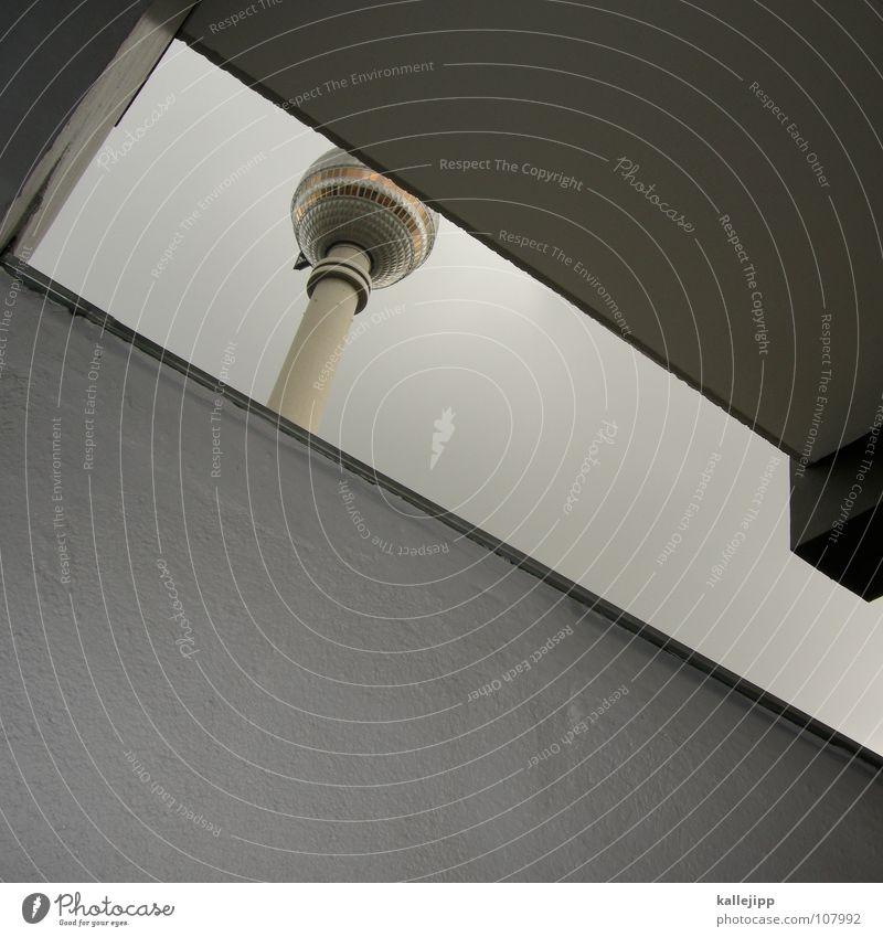 bei kaffee und kuchen Stadt Leben Berlin grau Mauer Kunst Architektur Deutschland Beton hoch Ausflug Niveau Aussicht Dach Fernsehen Turm