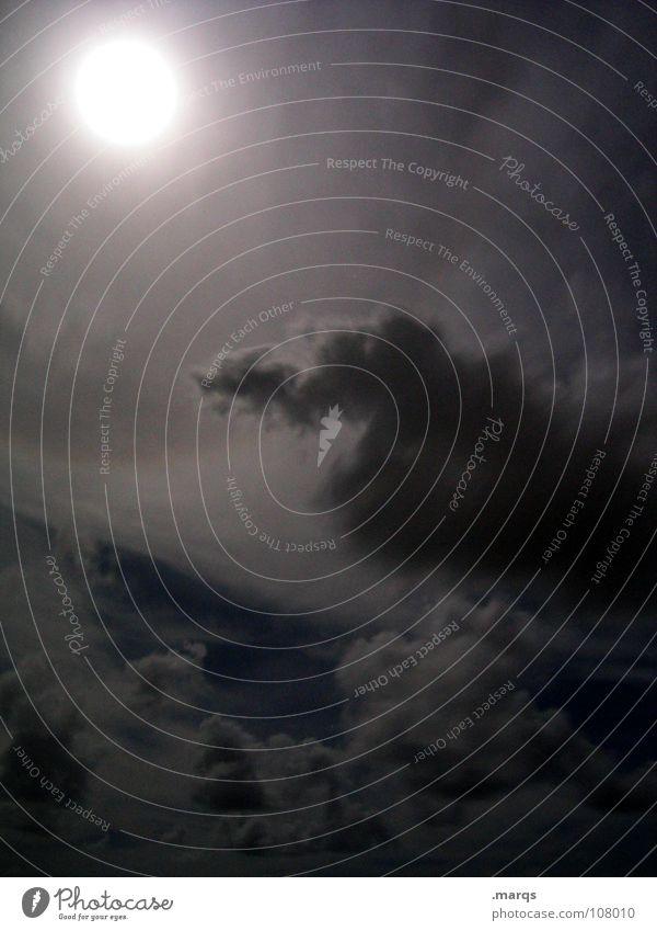 Creepy ruhig Wolken Einsamkeit dunkel grau Beleuchtung Angst Nebel bedrohlich Mond Geister u. Gespenster Panik trüb Schleier bedecken spukhaft