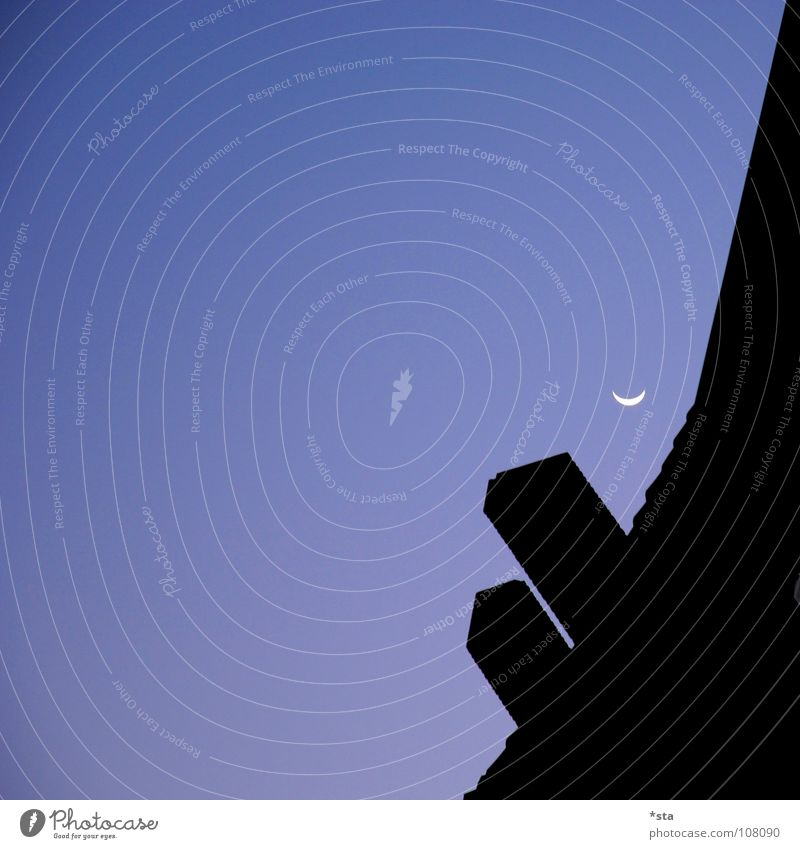 schlaflos Nacht dunkel Morgen kalt Himmel Einsamkeit unheimlich ruhig Verlauf Silhouette schwarz Hoffnung glänzend offen Dämmerung Dach 2 Zusammensein Zukunft