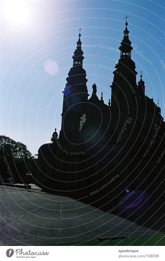 Religionsrelikt Licht monumental Gebäude Religion & Glaube Gotteshäuser Macht Schatten Sonne Dom Größe Stein Himmel Architektur