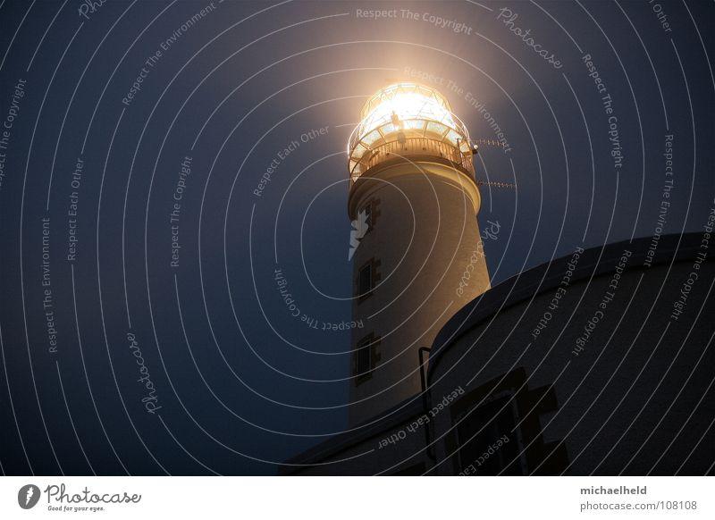 Lichtwegweiser Leuchtturm Schottland Nacht dunkel Sicherheit Strahlung Haus historisch Antenne Highlands Herberge Unterkunft Rucksack Einsamkeit Sackgasse