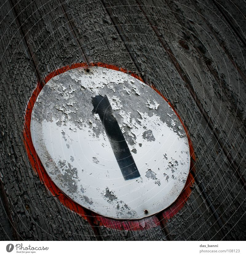 NUMB3R III alt weiß rot Farbe schwarz 1 Holz grau Traurigkeit Metall Kunst Beleuchtung Deutschland Schilder & Markierungen Ordnung Design