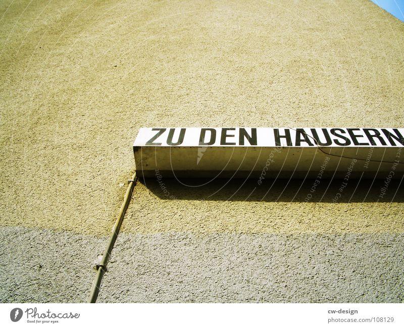 ICH ZEIG EUCH WO ES LANG GEHT Stadt blau weiß Wolken dunkel schwarz Architektur Graffiti Berlin Kunst Lampe Deutschland Design 2 modern Glas