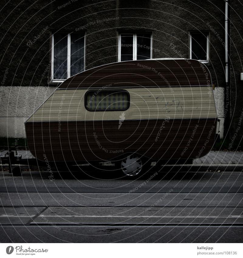 ein chamäleon macht urlaub Wohnwagen Wagen parken Parkbucht Fenster Fassade Wohnung Leben vermieten Tarnung Ferien & Urlaub & Reisen Erholung Freizeit & Hobby