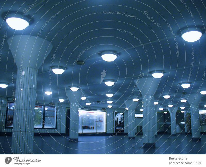Halle U-Bahn Licht Architektur Lagerhalle Jungfernstieg