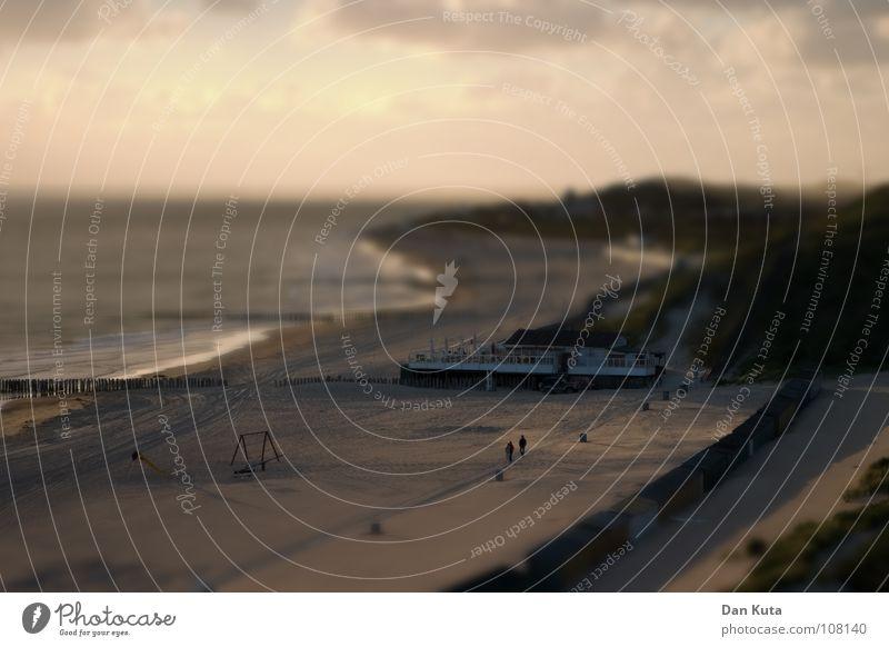 Miniatuur Walcheren Niederlande Zoutelande Dämmerung Tilt-Shift Fälschung falsch schlechtes Wetter Strand Wellen Wolken fein körnig lang Ebbe Holz Blick