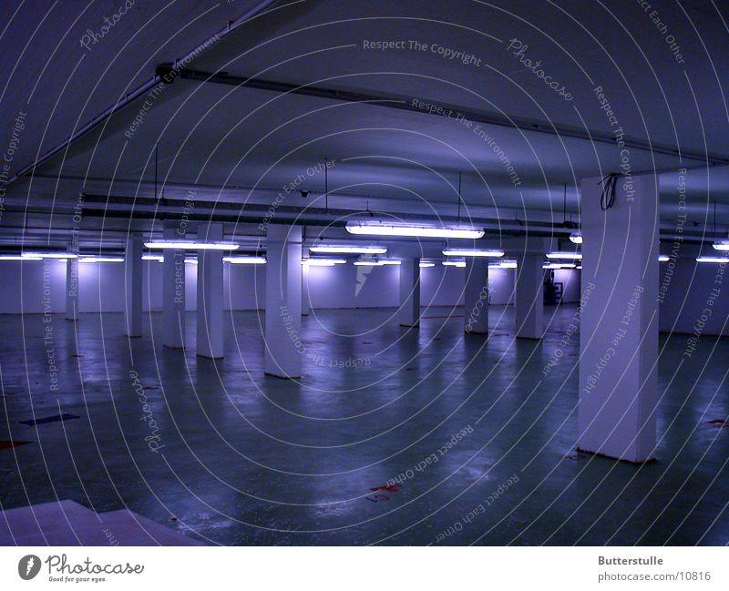 Säulen kalt Raum Architektur Tiefgarage