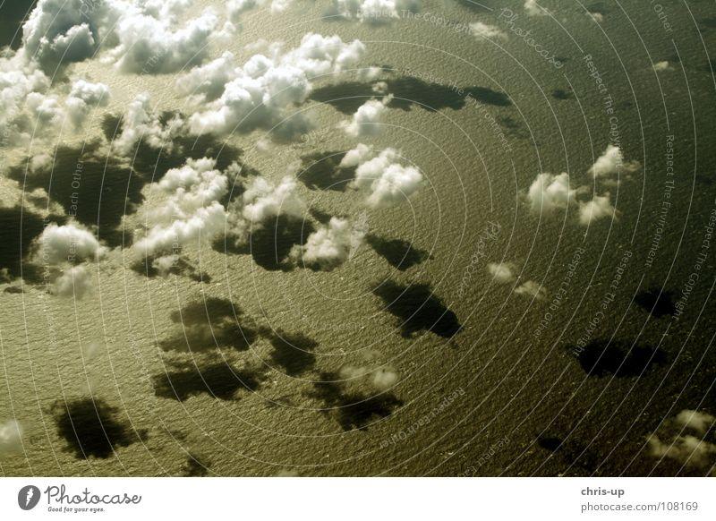 Über den Wolken 1 Aussicht Klimawandel Sonne Luft Horizont Panorama (Aussicht) Flugzeug weiß Meer Wellen Ozon Umweltverschmutzung Kondenswasser Atlantik Pazifik