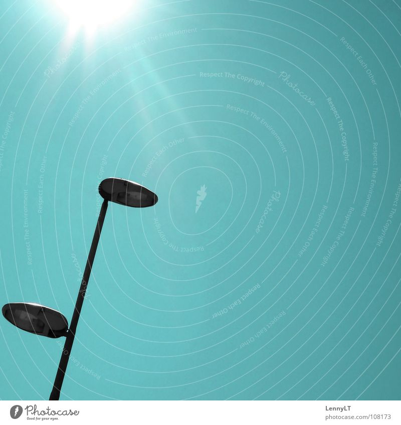 LUCKY # TWENTY Sonne modern Laterne türkis Verkehrswege Straßenbeleuchtung blenden sehr wenige Himmelskörper & Weltall