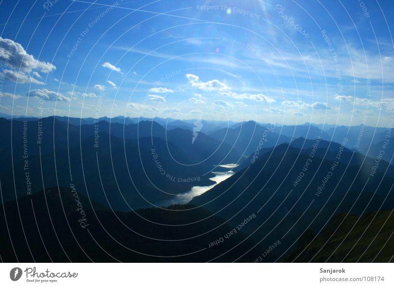 Gipfeltreffen schwarz Bundesland Tirol alpin Wolken Altokumulus floccus Sommer Herbst jodeln Zufriedenheit Berge u. Gebirge blau Alpen Geierköpfe Plansee