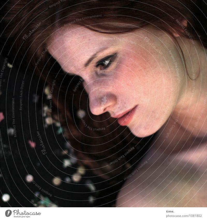 STUDIO TOUR | . Mensch Jugendliche schön Erholung ruhig 18-30 Jahre Erwachsene feminin Zeit Kopf liegen Zufriedenheit Dekoration & Verzierung Haut ästhetisch