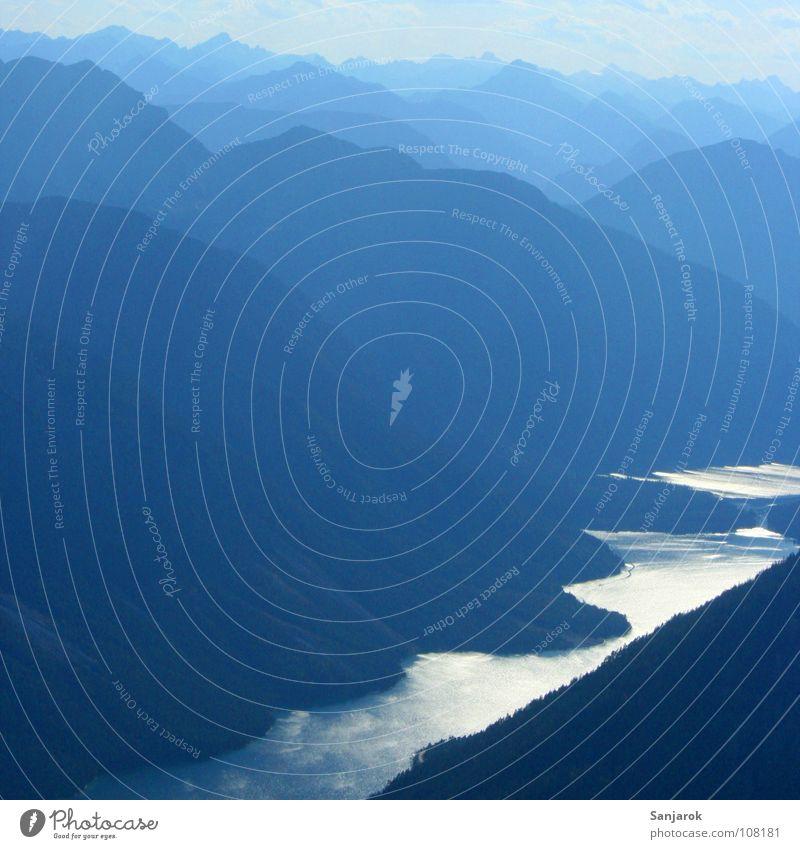 Planlos am Plansee blau schwarz Berge u. Gebirge Freiheit See wandern frei Fluss Frieden Gipfel Tal poetisch Bergwanderung jodeln
