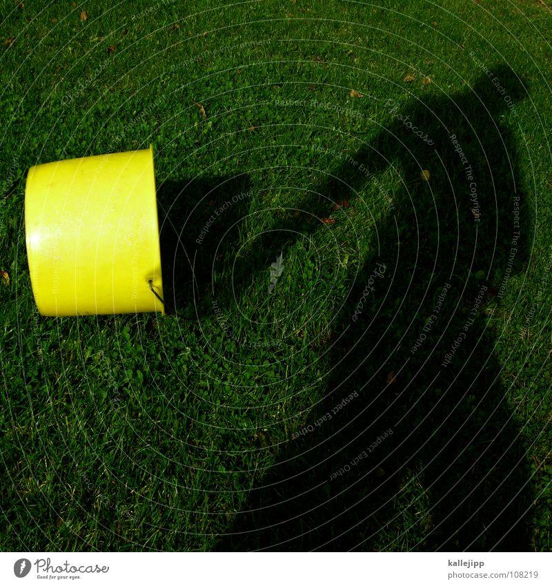 schattenträger Eimer Topf Arbeit & Erwerbstätigkeit ungesetzlich marschieren gehen Gartenarbeit Gummistiefel Muster wandern Schlauch Wasserschlauch sprengen