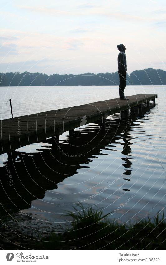 Da stehe ich. See Teich Wellen Morgen Nebel Steg Mann Wald ruhig Meditation Wasser Morgendämmerung Silhouette