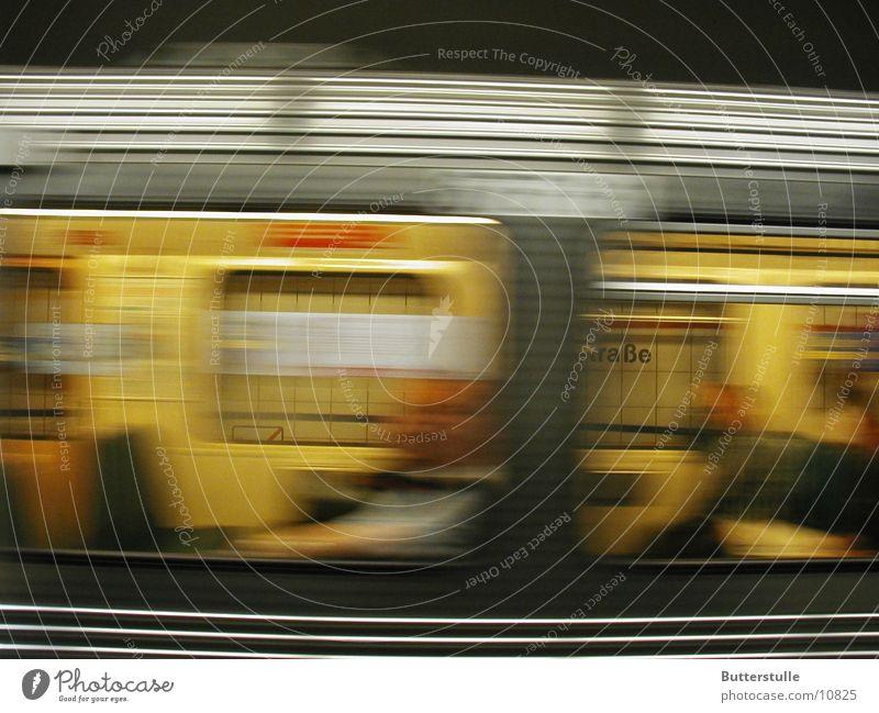 vorbeigerauscht fahren Dinge Eisenbahn Bewegung
