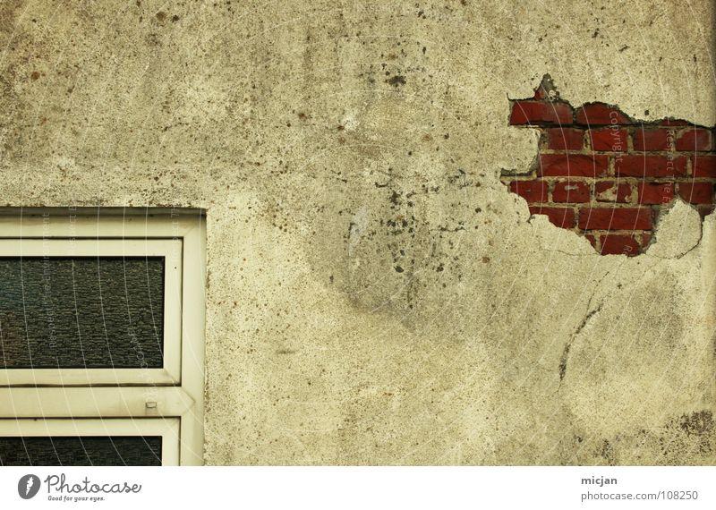 Wand... alt weiß rot Haus Arbeit & Erwerbstätigkeit Fenster grau Stein Mauer Gebäude Glas Design kaputt trist Industriefotografie