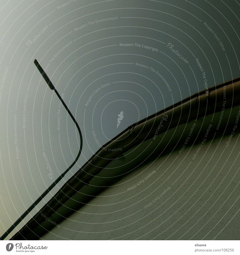 ::AUTOMNAL:: grau Herbst Nebel kalt ruhig sehr wenige Laterne Licht Haus rund gekrümmt unten zierlich stark Pforzheim Klarheit Frieden leer Perspektive Blick