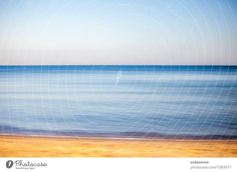 Ostsee Landschaft Wasser Himmel Wolkenloser Himmel Wellen Zufriedenheit Kraft achtsam Reinheit Panning Mitläufer Fototechnik blau gelb Mecklenburg-Vorpommern