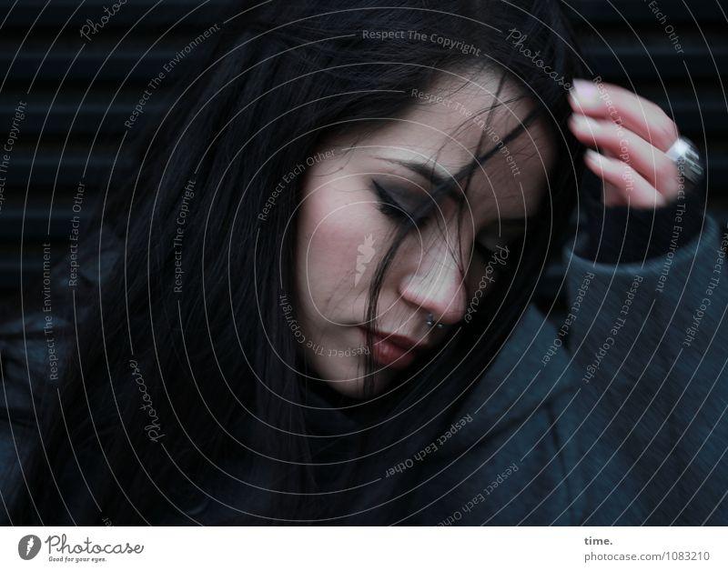 . feminin Junge Frau Jugendliche 1 Mensch Mantel Ring Piercing schwarzhaarig langhaarig schön Verschwiegenheit geduldig Selbstbeherrschung Traurigkeit Sorge