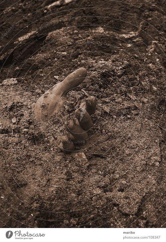 Verloren und Vergessen Hand Tod Sand Erde Angst dreckig Brand Finger gefährlich Suche bedrohlich Trauer Müll gruselig 5 Gewalt