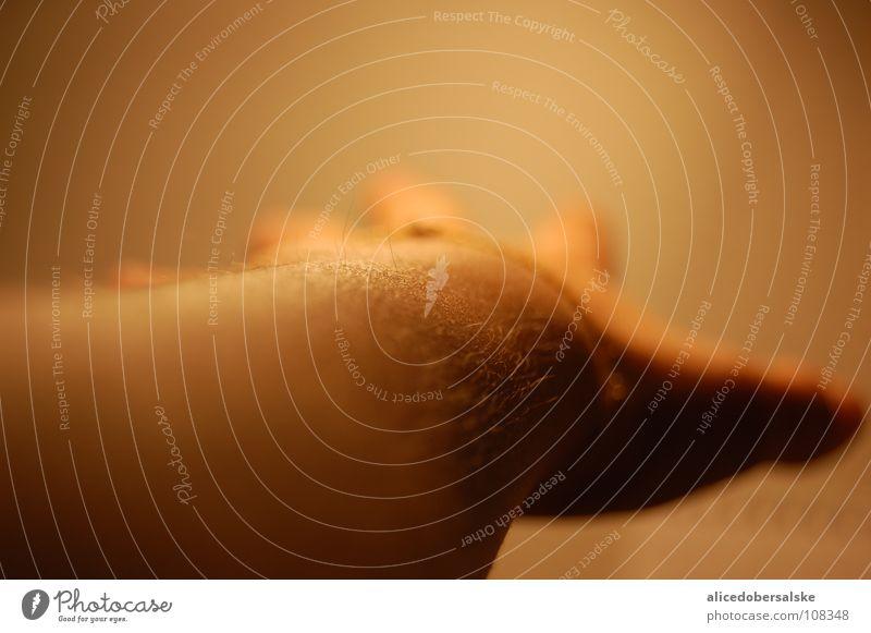 haarig... Hand Finger Makroaufnahme Nahaufnahme Frieden Erde Sand einfach so entstanden fangen Bedeutung frei Denken Kreativität Loch Arme