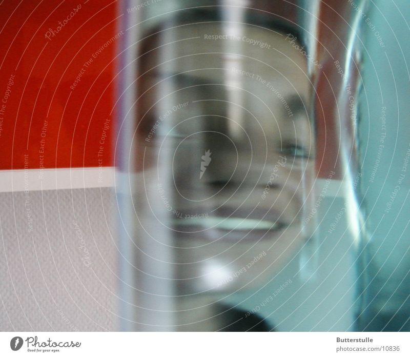 Flaschengeist Mensch Gesicht Glas Flüssigkeit
