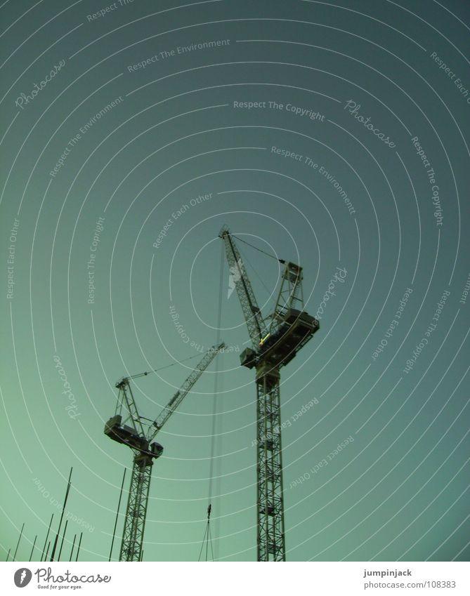 gebrüder krahn Horizont Baustelle Kran Arbeit & Erwerbstätigkeit kalt Industrie Himmel Güterverkehr & Logistik Niveau tief Klarheit Kraft Macht